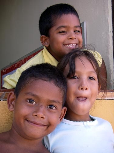 Venezuelan children in Los Roques